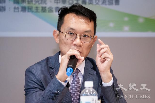 中華亞太菁英交流協會祕書長王智盛22日表示,今年中共兩會對臺部分採取「減法」策略,顯示中共更重於對內維穩、保經濟情勢。(記者陳柏州/攝影)