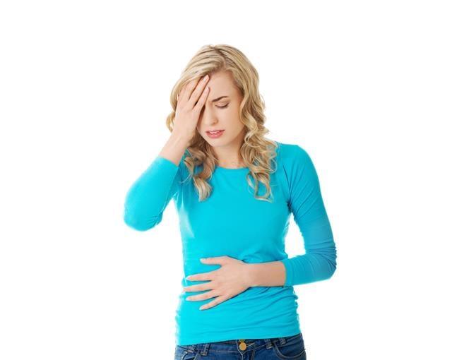 經痛多數是子宮肌瘤或子宮內膜異位症引起的,當然尚有其他原因,甚至原因不明,但中醫治療講求辨證論治。(Fotolia)