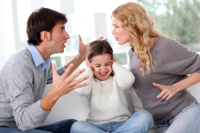 夫妻吵架不僅對孩子不利,也有損健康。(Fotolia)