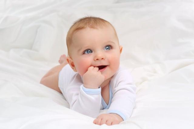 誰能拒絕嬰兒的笑容,看著他(她)們笑得一臉純真燦爛,為「思無邪」下了最貼切的註解,而這個看似簡單的註解,孔子卻用了《詩經》的全部內容來闡述它。(Fotolia)