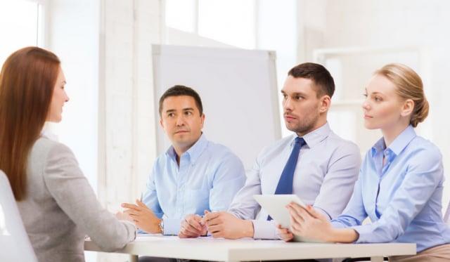 面對他人的提問,要如何臨場反應說出有建設性的說法?除了多練習表達能力,還有其他技巧嗎?(Fotolia)