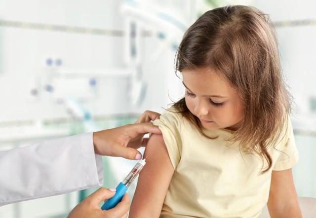 每年流行的流感病毒型態不相同,因此每年施打最新型的流感疫苗,是最佳的預防方法。(Fotolia)