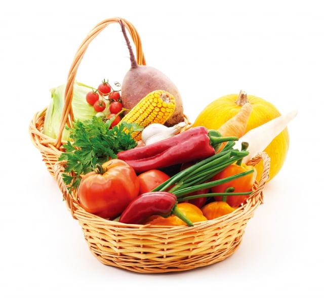 癌症患者每天應攝取1綠、1紅、1黑的蔬菜:1~2碗深綠色葉菜,1份紅、橘或黃色蔬菜,以及1份黑色的香菇或其他菇類。菇類的多醣體已被證實具調節、提升免疫功能的效用。(Fotolia)