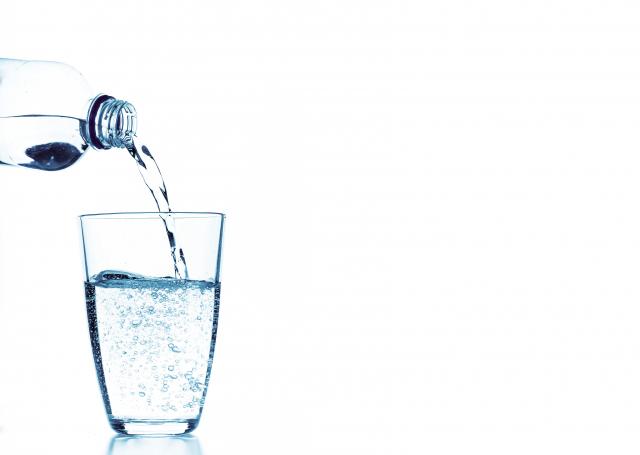 沒有任何一種飲料能代替水。(Fotolia)