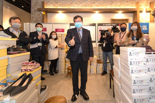 桃園市長鄭文燦表達對機場產業的支持,希望疫情過後,重現機場經濟學的魅力。