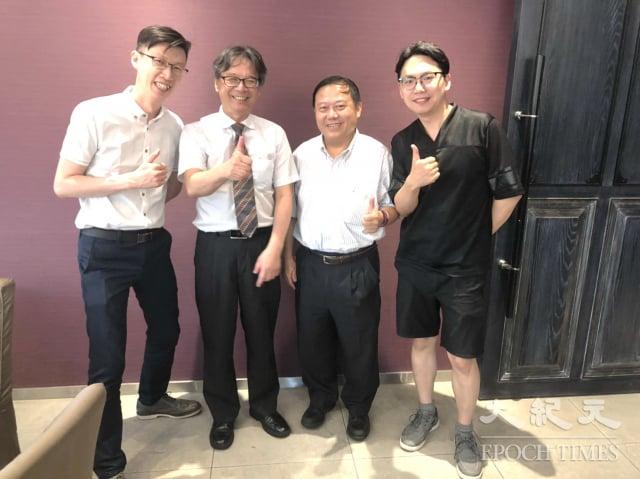 元智大學校長吳志揚(2)與教授為畢業生找出路。(記者徐乃義/攝影)