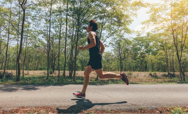 將跑步融入生活後,松浦發現疲憊感逐漸減少,過去曾經感受到的壓力已經漸漸遠離了他。(Shutterstock)