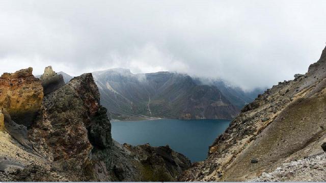 中國東北地區是中國新生代火山最多的地區,包括著名的長白山(圖)火山和五大連池火山區,其中,五大連池火山區就包括14座火山。(Getty Images)