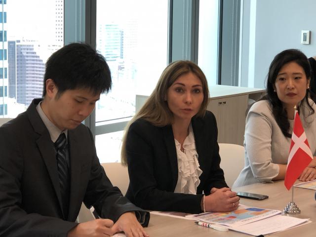 CIP台灣區開發長許乃文(右1)與MVOW總監扎希羅維奇(右2)宣布,完成900MW規模葉片等10項離岸風機零組件合約簽署。(記者徐翠玲/攝影)