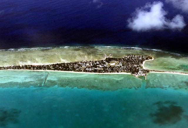 吉里巴斯首都塔拉瓦(Tarawa)環礁。(AFP via Getty Images)