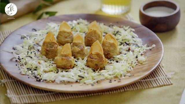 【千張炸餛飩】千張「豆腐皮」,不僅可以取代麵皮,又增添了豆腐香。(攝影/C2食光)