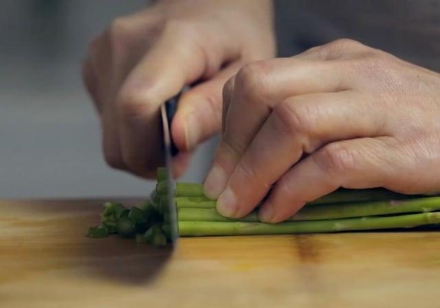 花椰菜米炒飯,步驟1(攝影/C2食光)