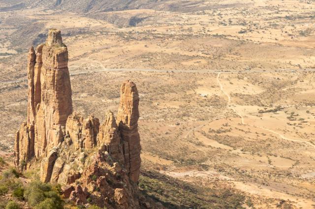 衣索比亞的「阿布納耶瑪塔朝日」(Abuna Yemata Guh)教堂蓋在峭壁上,被稱為世界上最危險的教堂。(Shutterstock)