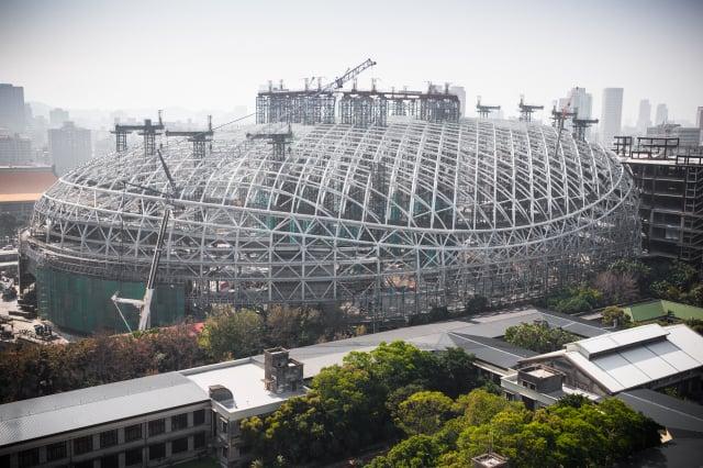大巨蛋第3次變更設計申請過關,臺北市建管處17日核發建照。(記者陳柏州/攝影)