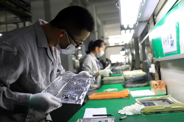 iPhone第二大代工廠和碩近日證實其已經在印度註冊了子公司。 (STR/AFP via Getty Images)