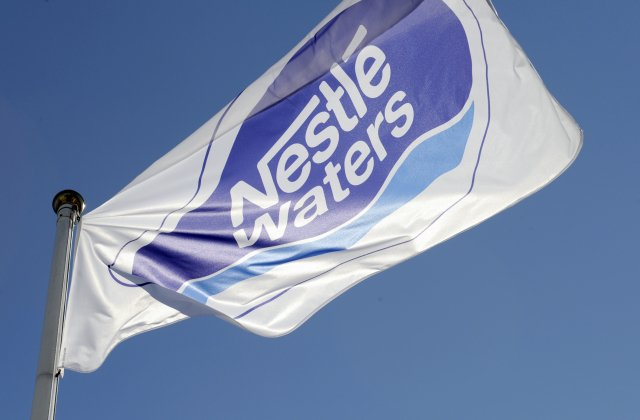 雀巢集團近日確認將出售一部分中國礦泉水業務。(JEAN-CHRISTOPHE VERHAEGEN/AFP via Getty Images)