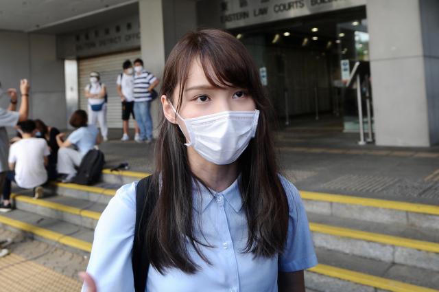 《港版國安法》實施後,香港個人資料恐被強制截取,「香港眾志」前副祕書長周庭說,最好的方式是準備「2支手機」。(記者宋碧龍/攝影)