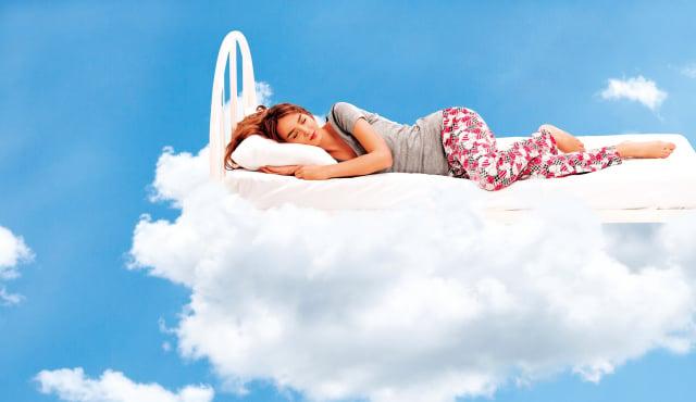 參考以下的4種食物和3味茶飲,在睡前半個小時食用,可達到良好的助眠作用。(Shutterstock)