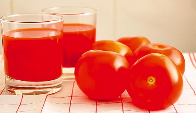 番茄屬寒涼,最好煮熟食用;腸胃虛寒、患寒咳者勿吃太多生番茄。(Shutterstock)