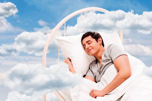 想睡個好覺又不容易生病,有9件事一定不要做。(Shutterstock)
