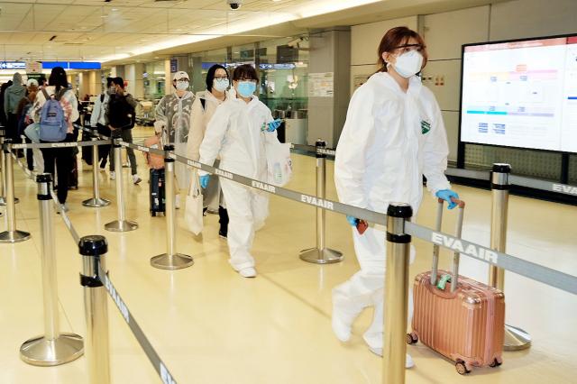 指揮中心6日表示,經諮詢專家後,認為目前並無實施入境普篩的必要。圖為我國的機場。(中央社)
