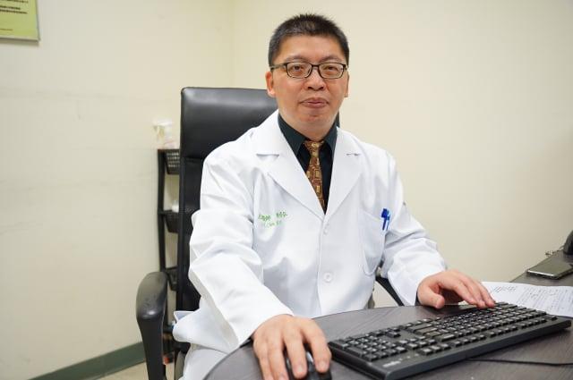 聯新國際醫院精神科主治醫師陳修弘。(記者徐乃義/攝影)