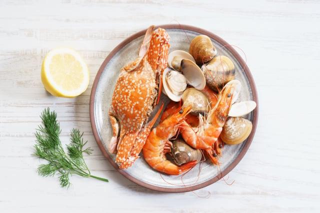 溼疹初期階段,魚類、有殼類的海鮮食物應避免攝取。(Fotolia)