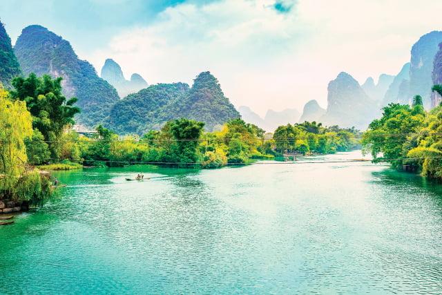 老子的《道德經》中說:「上善若水。水善利萬物而不爭,處眾人之所惡,故幾於道。」中國古代很多君子具備這一品性。(Shutterstock)