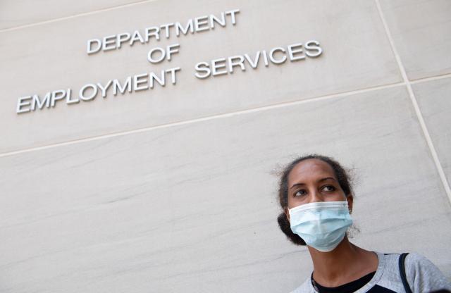 圖為7月16日,美國華盛頓特區就業服務部。示意圖。(AFP via Getty Images)