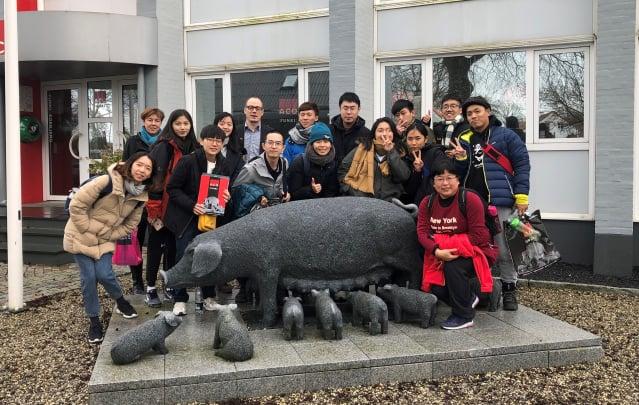 屏東科技大學學生赴丹麥受訓,校外參觀。(屏東科技大學提供)