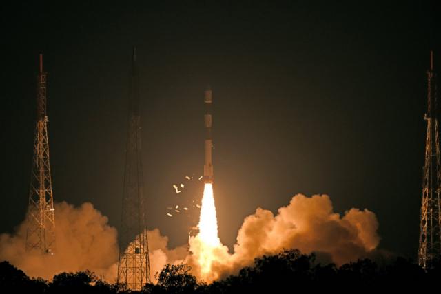 立委林俊憲表示,發射火箭經過他國領空是必然的事,根本沒有厲害之處,但中共卻連科技新聞都可以塞入大內宣,根本是自我安慰。圖為示意圖。(中央社)