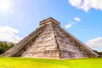 在瑪雅金字塔拍手 會傳回鳥叫聲