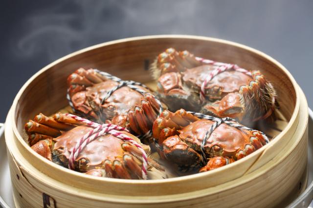 中秋節將到,中共官媒報導稱,今年「蟹卡」大流行,並衍生出一道道循環的「回收」蟹卡暴利。示意圖。(Fotolia)