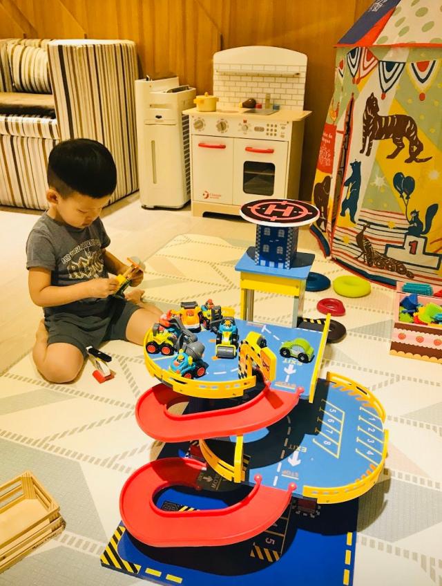 御兒軒產後護理之家提供大寶友善遊戲區,迎接小寶的同時,大寶也備受寵愛。(御兒軒產後護理之家提供)
