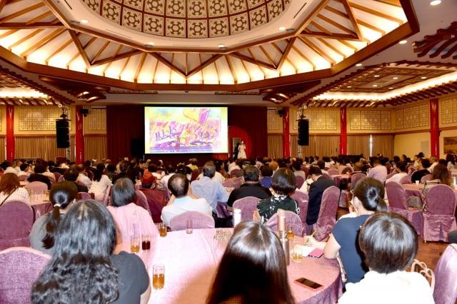 2020年仲秋周末午後,帛琉、馬紹爾等七國友邦駐華使節,偕同二百餘各界嘉賓,齊聚高雄圓山飯店,一同聆聽文化講座。