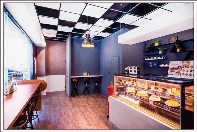 「富民店」以簡約風的設計 使店裡隨時都瀰漫在愉快的午後悠閒節奏。(木木江鳥衣谷提供)