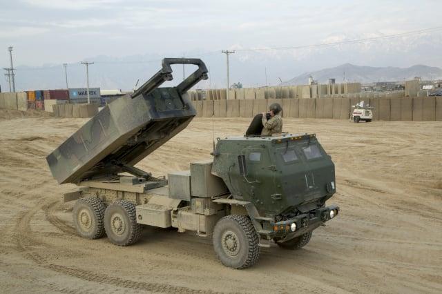 圖為傳聞軍售清單中的M142高機動性多管火箭系統。(Staff Sgt. Ricardo Hernandez-Arocho/維基百科)