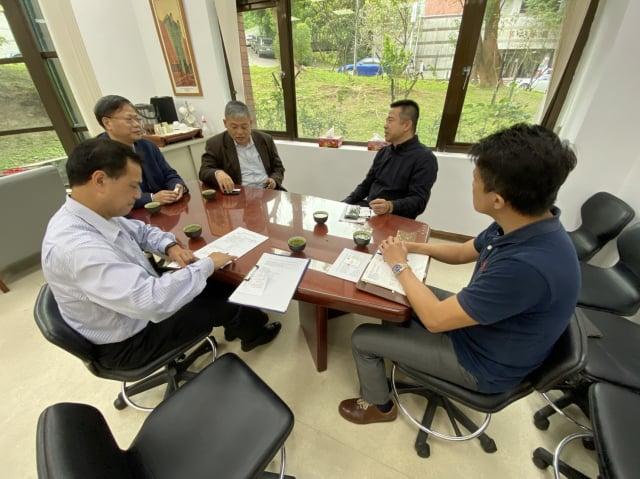 龜山警分局長蕭欽杰5日上午前往龍華科技大學舉辦校園安全座談會。(桃園市龜山警分局提供)
