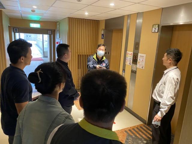 龜山警分局長蕭欽杰5日上午前往龍華科技大學舉辦校園安全座談會。