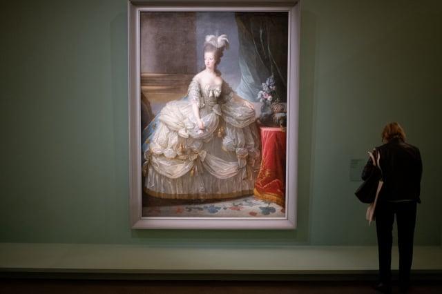 2019年10月15日在巴黎禮賓博物館展出的瑪麗·安托瓦內特(Marie Antoinette)王后的畫像。(AFP via Getty Images)