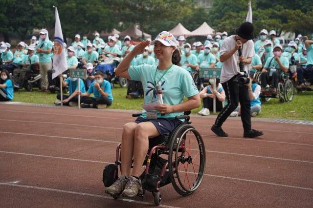 第20屆脊髓損傷者全國運動大會14日在屏東縣仁愛國小隆重開幕。