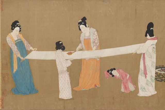 宋徽宗摹唐·張萱《搗練圖》,圖中女子身著典型唐朝齊胸襦裙。(維基百科)