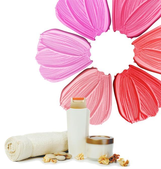 自從疫情改變生活,當女性消費者在家時間變長,反而減少購買口紅,而是開始花更多心思在護膚上草本、植物萃取、天然成分或醫美品牌的產品感興趣,尤其是在膚況不佳時更加明顯。(123RF)