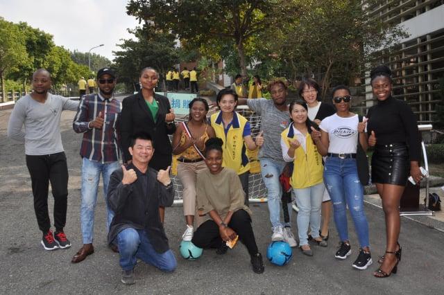 中州科大捐贈教學資源之球架。