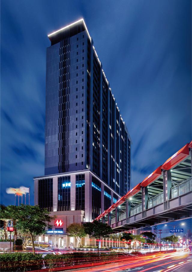 凱達大飯店與萬華火車站共構。