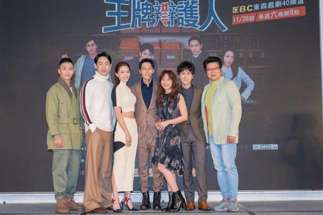 (左起)高英軒、路斯明、黃薇渟、胡宇威、葉星辰、林孫煜豪、陳文山。(東森電視提供)
