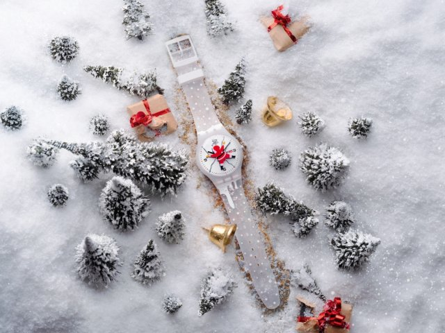 HoHoOuch 2020耶誕特別版腕錶,捕捉了聖誕老公公跌倒的瞬間畫面,讓人會心一笑。(記者SWATCH/攝影)
