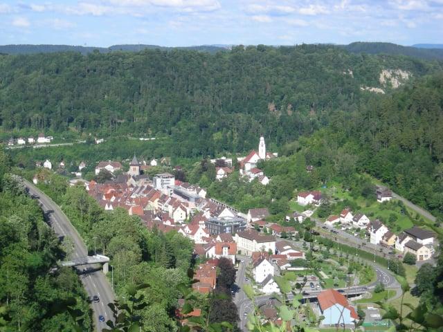 由山頂上遠眺歐本多夫。(Michael Barera/Wikimedia Commons)