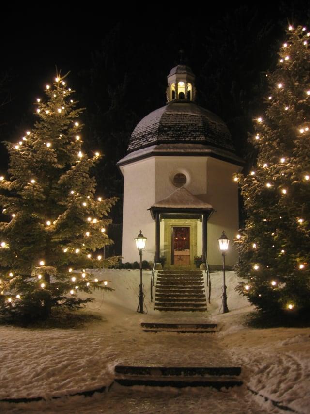 現在的平安夜小教堂,1930年代建於歐本多夫原教堂遺址。(Gakuro/Wikimedia Commons)