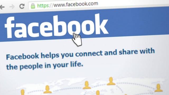 筆記型電腦上顯示的臉書網站擷圖。( Simon Steinberger from Pixabay)